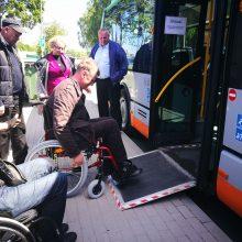 Klaipėdos autobusų parko vairuotojai – neįgaliųjų kailyje