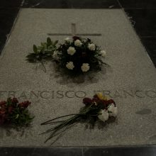 Ispanijos vyriausybė priėmė dekretą dėl diktatoriaus palaikų ekshumacijos
