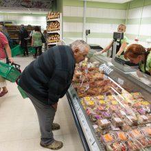 Profsajungos palaiko valdžios siekį drausti prekybos centrų darbą sekmadieniais
