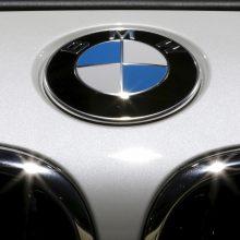 """BMW seka """"Airbus"""" pavyzdžiu ir įspėja dėl """"Brexit"""""""