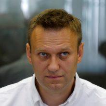 A. Navalnas kaltina įtakingus rusų politikus ryšiais su milijardieriumi O. Deripaska