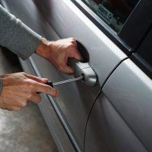 Siūloma griežtinti bausmes automobilių detalių vagims