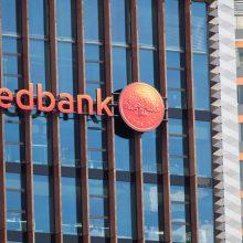 """""""Swedbank"""" per pusmetį Lietuvoje uždirbo 56 mln. eurų grynojo pelno"""