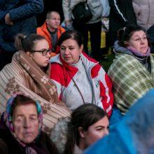 Minios žmonių suplūdo į Santaką, atvyko popiežius Pranciškus