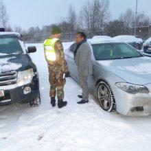 Du rumunai naudojosi Jungtinėje Karalystėje vogtu BMW