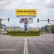 """Kaunas originaliai išlydi popiežių: """"Mes tavęs pasiilgsime!"""""""