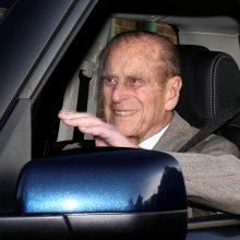 Princas Philipas po avarijos atsisakė vairuotojo pažymėjimo
