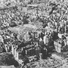 Lenkija iš Vokietijos reikalaus reparacijų už Antrąjį pasaulinį karą?