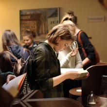 Bibliotekoje – kvepiančių istorijų vakaras