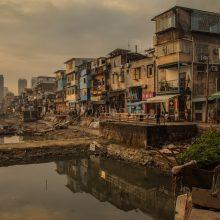 Beveik pusė pasaulio žmonių gyvena už mažiau negu 5,50 dolerio per dieną
