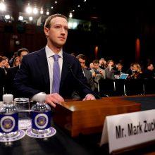 """""""Facebook"""" akcininkai siekia pakeisti M. Zuckerbergą nepriklausomu valdybos nariu"""