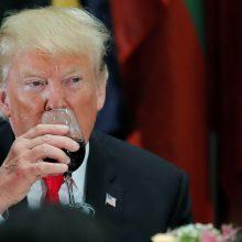 """D. Trumpas giria """"istorinę"""" respublikonų pergalę"""