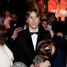 "Kroatijos futbolininkui L. Modričiui – prestižinis ""Auksinio kamuolio"" apdovanojimas"