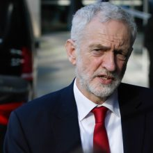 """Britų opozicijos lyderis J. Corbynas mato pavojų, kad """"Brexit"""" įvyks be sutarties"""