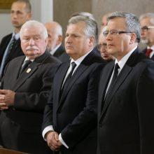 Trys buvę Lenkijos prezidentai ragina ES ginti teisinės valstybės principus Lenkijoje