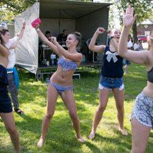 Kovojant su priklausomybėmis siūloma didinti muzikos, sporto prieinamumą