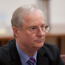 Atsistatydinusiam E. Vaitekūnui grėsė atleidimas dėl šiurkštaus pažeidimo