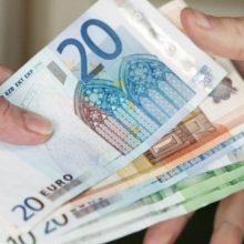 Narkotines medžiagas gabenęs vyras pareigūnui pasiūlė 10 tūkst. eurų kyšį
