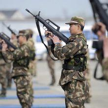 Įtampai dėl Šiaurės Korėjos nemažėjant, Kinija surengė karines pratybas
