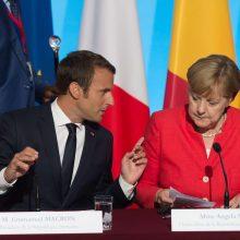 E. Macronas susitiks su A. Merkel prieš ES viršūnių susitikimą ketvirtadienį