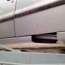 Kontrabandą baltarusis vežė iranietiško automobilio slėptuvėse