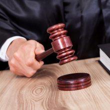 Kyšininkavę advokatas ir bankroto administratorius į kalėjimą nesės
