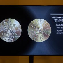 Ant kolekcinių monetų – Lietuvos kūrėjų parašai