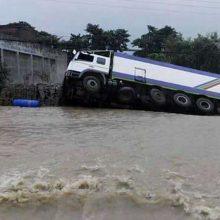 Potvynių ir nuošliaužų Nepale aukų skaičius išaugo iki 58