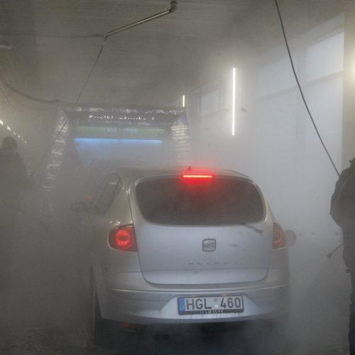 Automobilių eilės prie plovyklos  © Vytauto Liaudanskio nuotr.