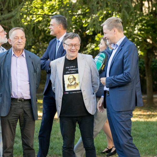 Vilniuje atidaryta poeto S. Gedos vardo alėja  © S. Žiūros nuotr.