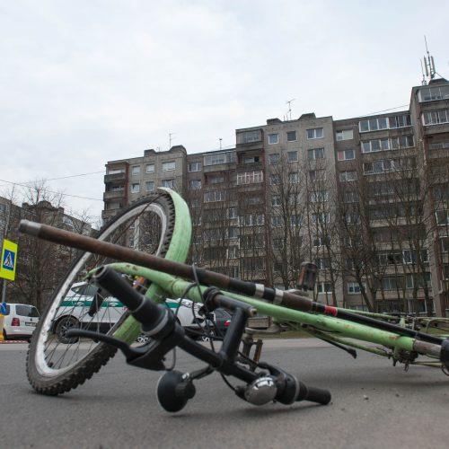 Šilainiuose partrenktas dviratininkas  © Akvilės Snarskienės nuotr.