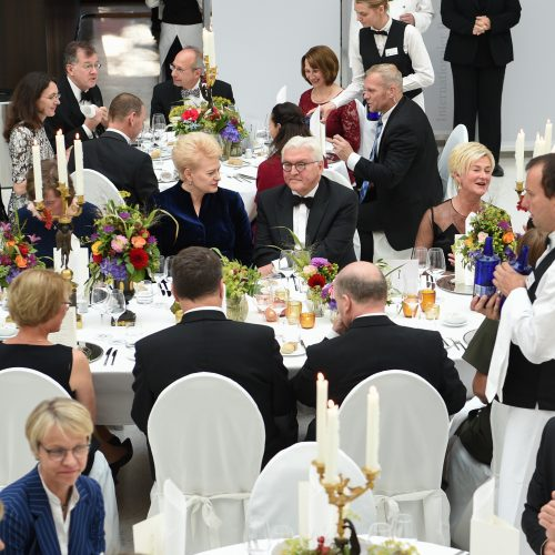 Prezidentė sakė kalbą per Baltijos šalių garbei surengtą vakarienę