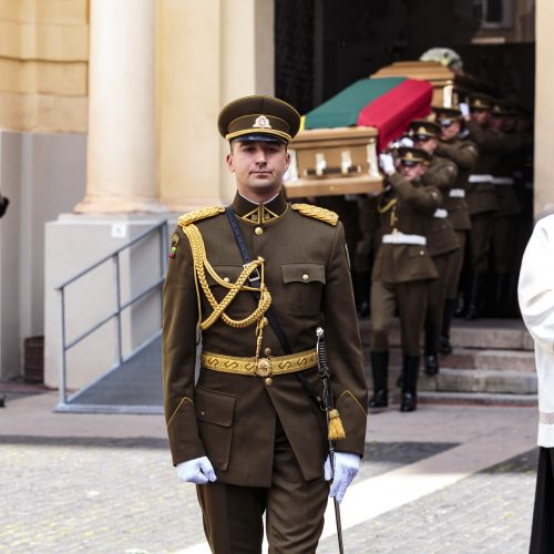 Vilniuje perlaidoti signataro M. Biržiškos palaikai  © Gedimino Bartuškos (ELTA) nuotr.