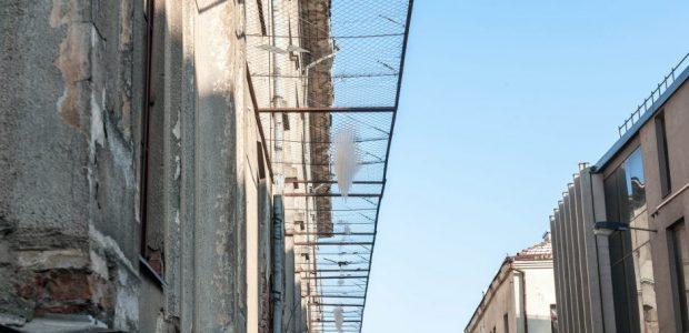 Kaunietis įspėja: ant žydų ligoninės tinklų – pavojingi varvekliai