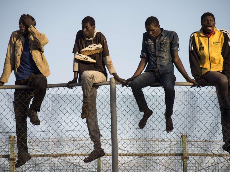 ES šalys neranda kompromiso dėl pabėgėlių paskirstymo plano