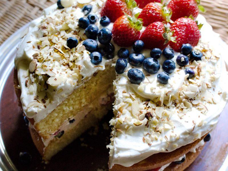 Dovana mamai: dar suspėsite iškepti puikų tortą <span style=color:red;>(receptas)</span>