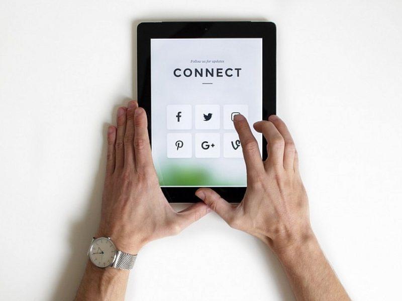 Tyrimas: teigiamos patirtys socialiniuose tinkluose nekompensuoja blogų