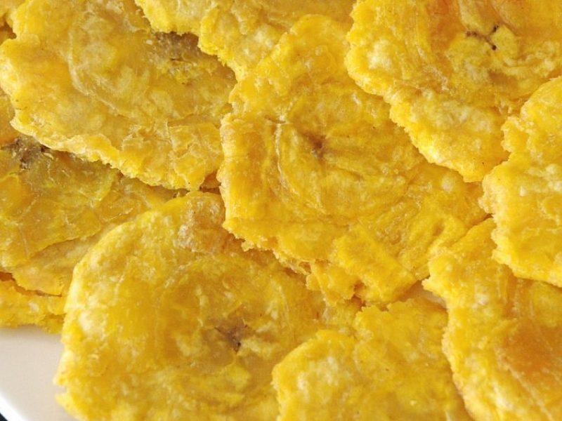 """""""Patacones"""": bananų užkandis, kuriuo Panamoje pakeičia ryžius"""