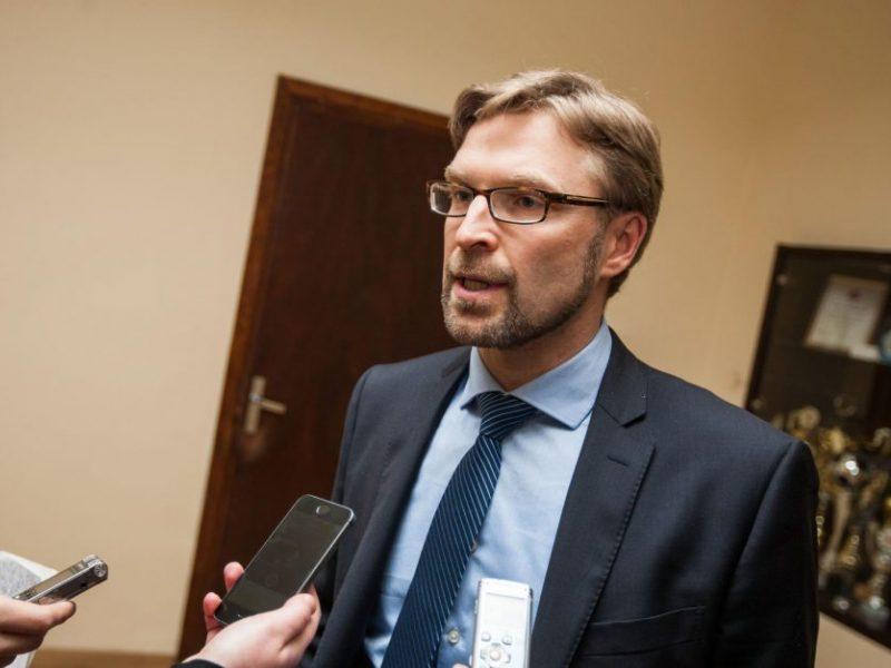 L. Kukuraitis pristatė naujovę – filmuoti vaiko teisių gynėjų ir tėvų susitikimus