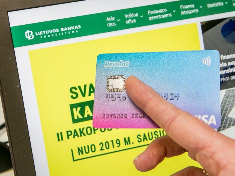 """""""Revolut"""" atėjimas į Lietuvą sukėlė nerimą"""