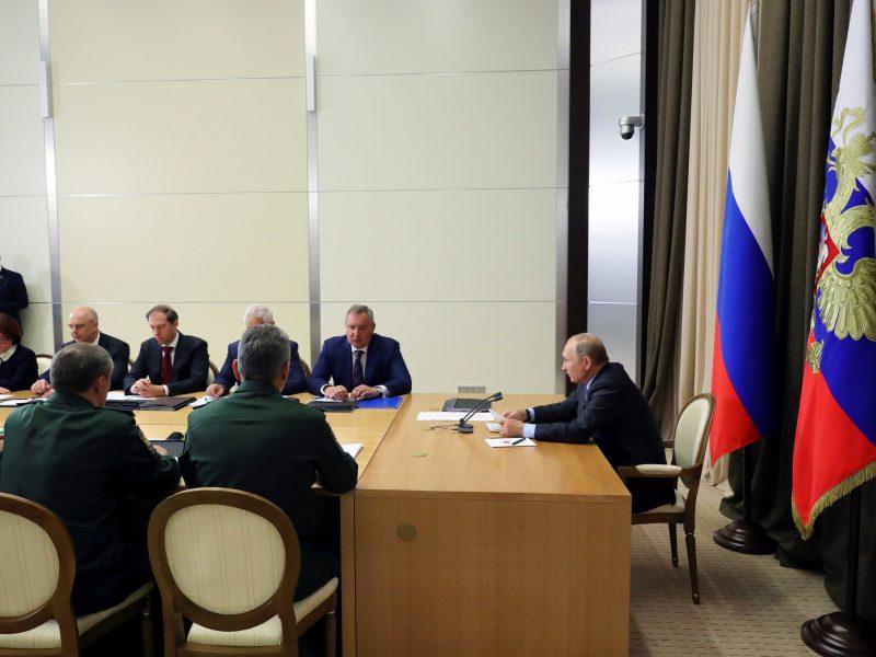 V. Putinas: Rusijos karinis laivynas patruliuos prie Sirijos krantų