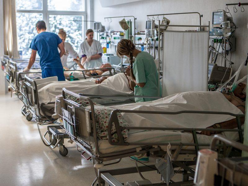 Darbas Kauno klinikose – dėl garbės, o atlygis – iš ligonių?