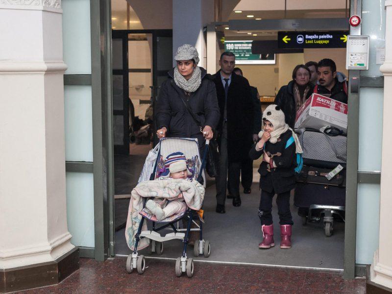 Pirmieji į Lietuvą perkelti pabėgėliai neteko leidimo gyventi mūsų šalyje