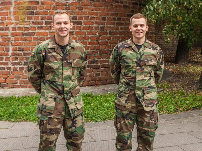 Kauniečiai dvyniai pasirinko būti šauliais: čia išmokome bendrauti ir spręsti bėdas