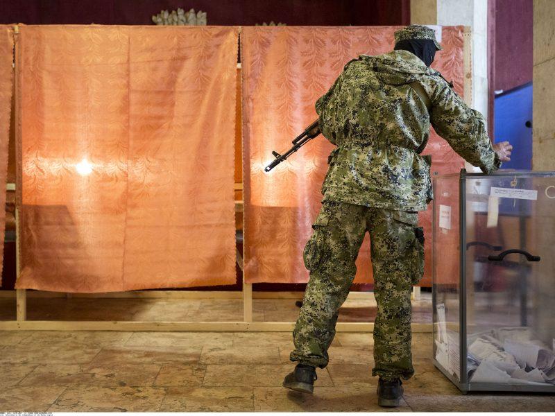 V. Putinas siūlė D. Trumpui apsvarstyti referendumo Rytų Ukrainoje idėją