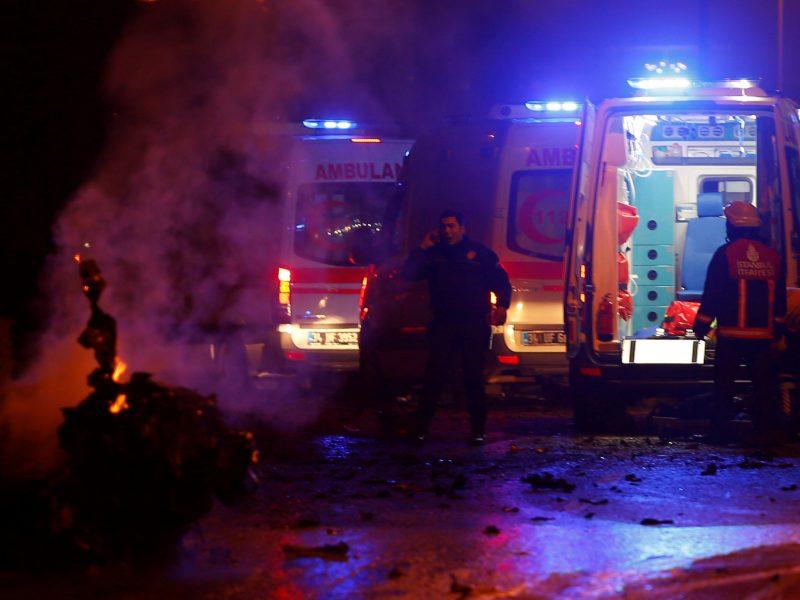 Kruvinas išpuolis Stambulo futbolo stadiono prieigose