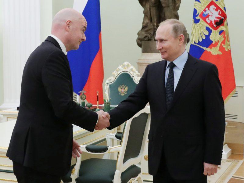 V. Putinas su FIFA prezidentu G. Infantino aptarė pasiruošimą pasaulio čempionatui
