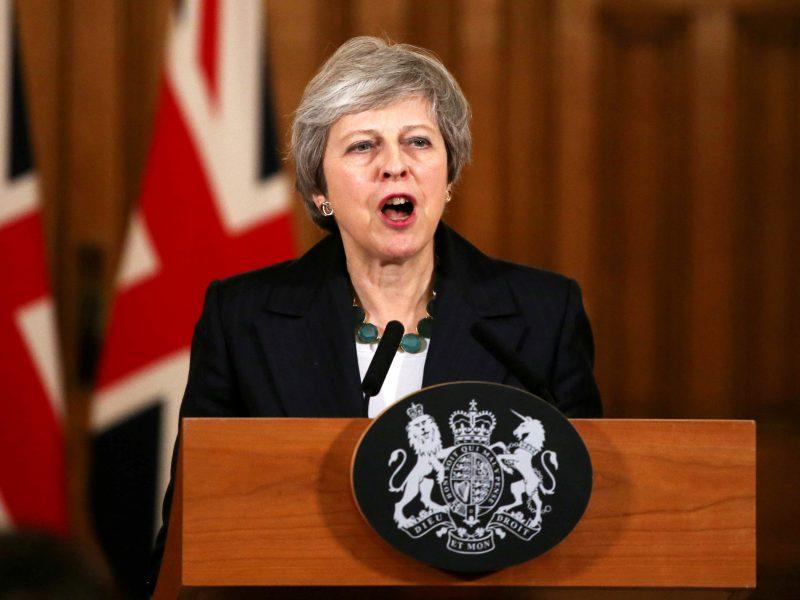 """Th. May atmeta galimybę rengti antrą referendumą dėl """"Brexit"""""""