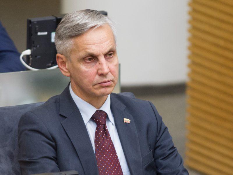 """Išėjęs iš """"valstiečių"""" P. Urbšys neteko Seimo komiteto vadovo pareigų"""