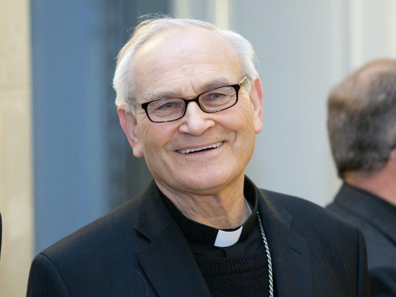 Vyskupui J. Kauneckui siūloma suteikti Panevėžio rajono garbės piliečio vardą